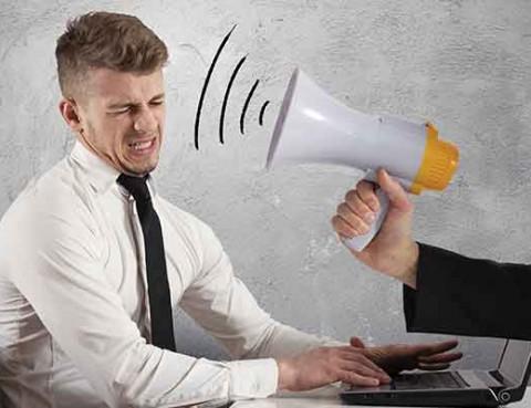 employee-management_man-at-computer